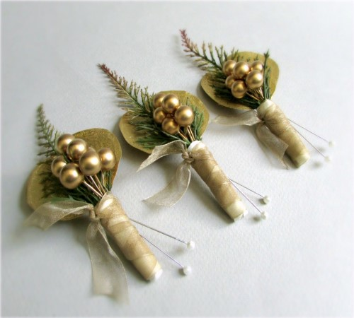 Luster Boutonnieres