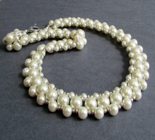 Surround Necklace (Ivory)